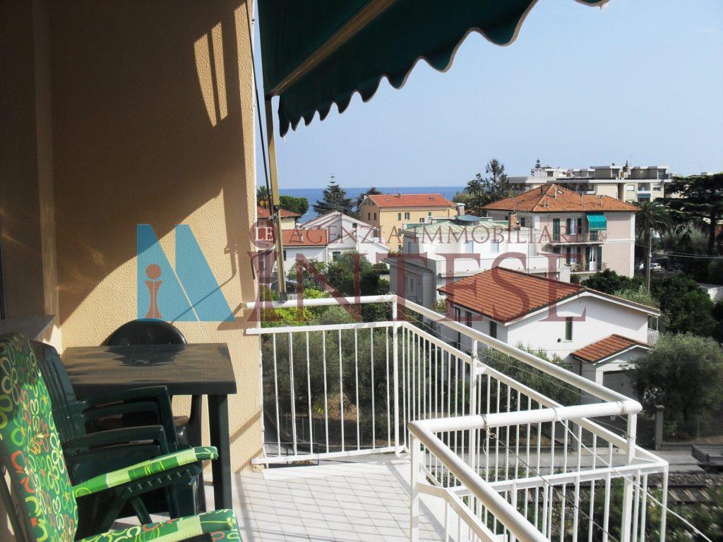 9.tril.loano.balcone