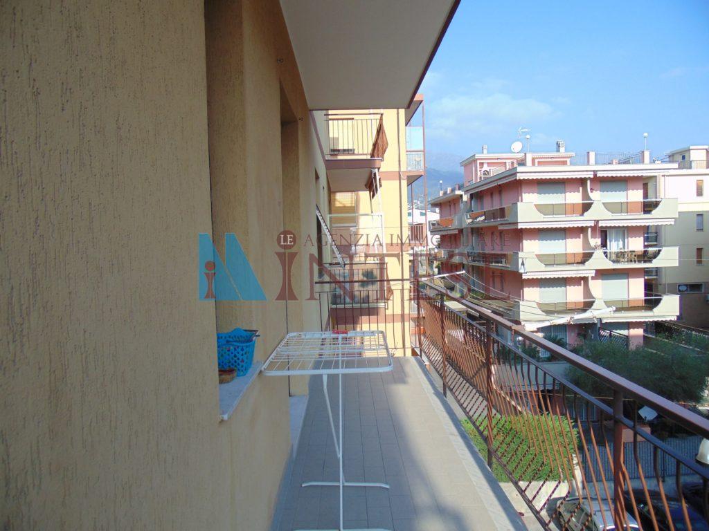 8.bilo.affitto.balcone